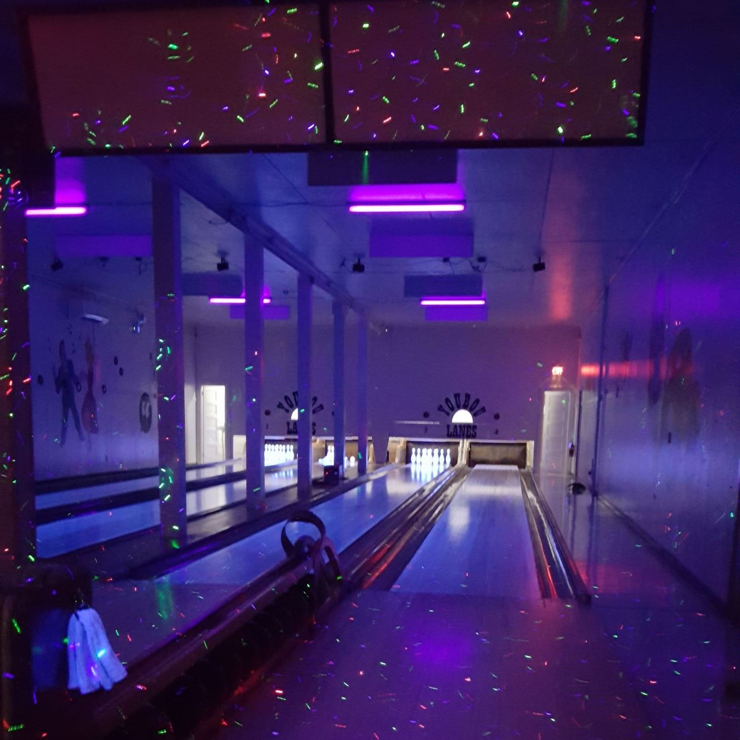 Rock n Glow at Youbou lanes